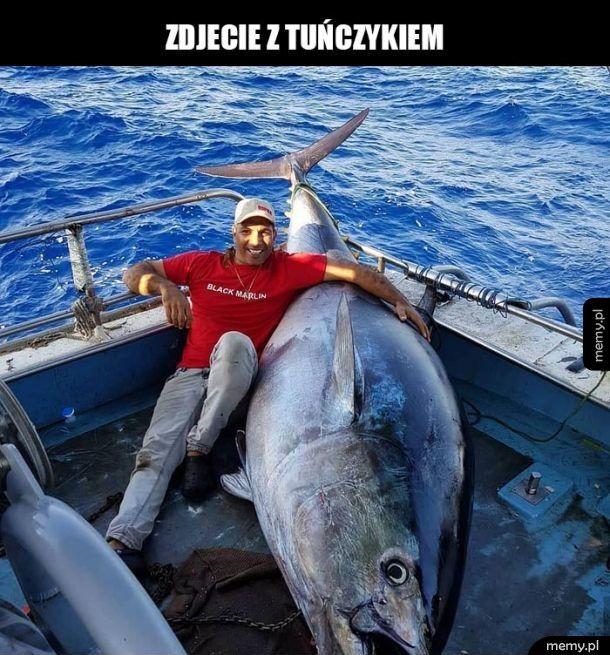Ogromny tuńczyk