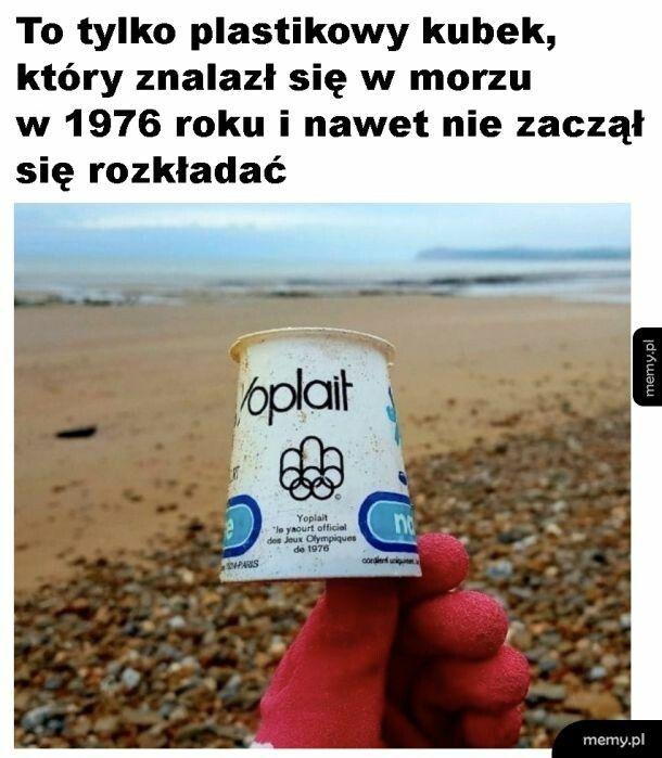 Kubek w morzu