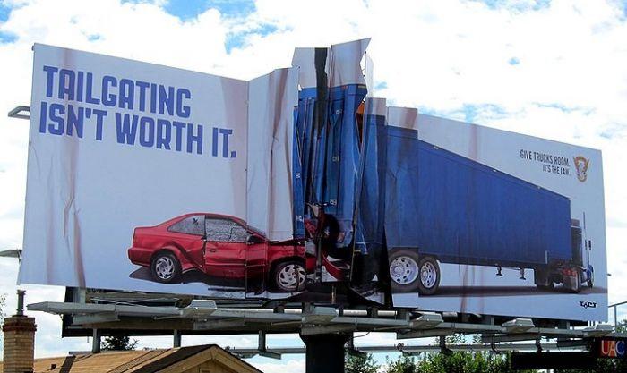 Ciekawe uliczne reklamy.