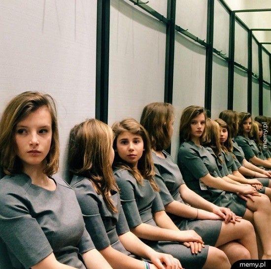 Ile dziewczyn jest na tym zdjęciu?