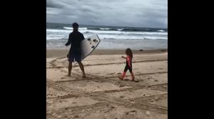 Kiedy Twoj tata to Thor i idziecie surfowac