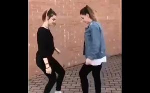 Zabawy dziewczyn vs zabawy chłopców