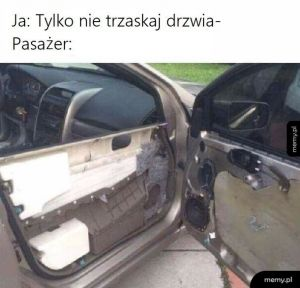 Pasażer vs drzwi
