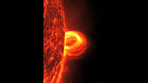 Rozbłysk na słońcu jest 4 razy większa od Ziemi. CZTERY RAZY!!!
