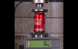 Prasa hydrauliczna vs cola