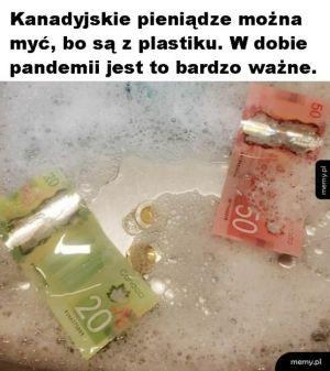 Plastikowe pieniądze