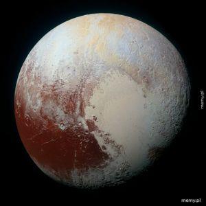 To już 5 lat od przelotu sondy New Horizons w pobliżu Plutona, dzięki której wiemy jak ta planeta karłowata wygląda