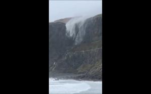 Wiatr vs wodospad