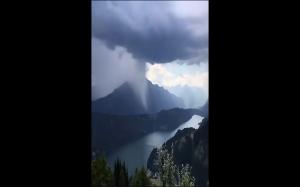 Deszcz w górach
