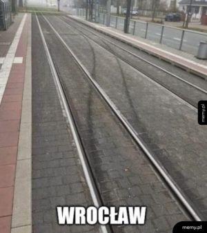 Tylko we Wrocławiu tramwaje driftują po szynach