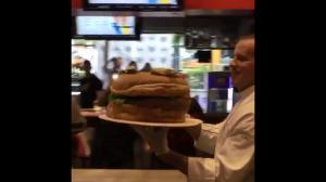 Proszę dużego hamburgera