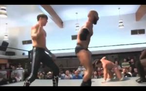 Ktoś jeszcze uważa, że wrestling to ściema?